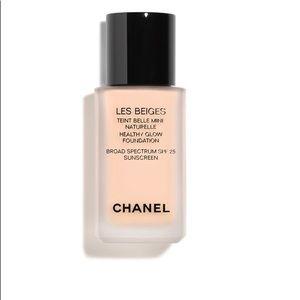 Chanel Les beiges Liquid foundation color N'10